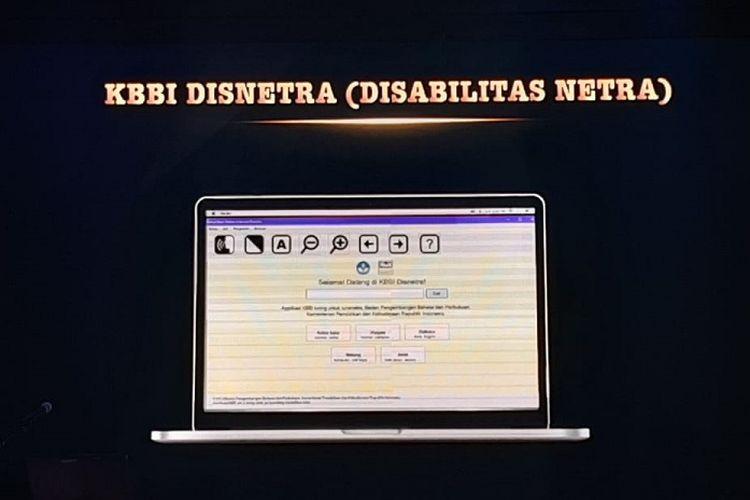 KBBI Disabilitas Netra (Disnetra) menjadi salah satu produk yang diluncurkan dalam puncak peringatan Bulan Bahasa dan Sastra 2019 di Jakarta, Senin (28/10/2019).