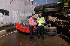 Truk Tanah Timpa Mobil TNI, Polisi: Truk Oleng ke Kiri dan Tabrak Pembatas Jalan