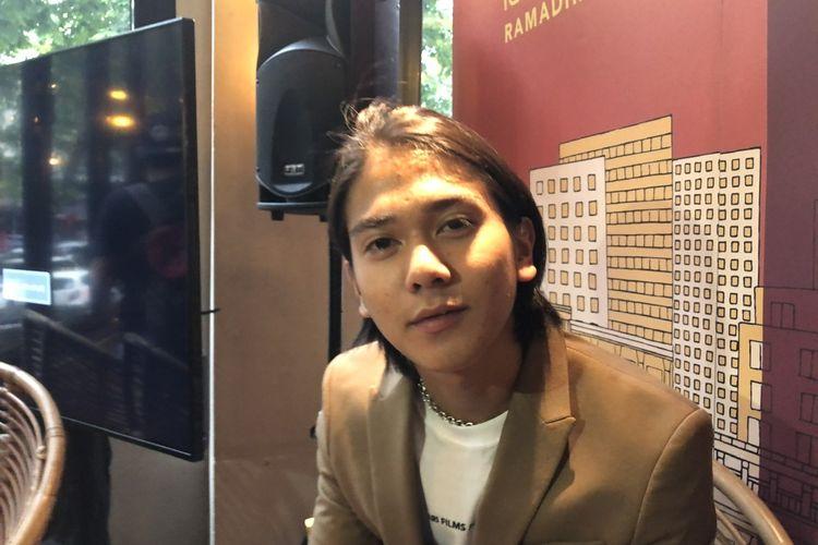 Iqbaal Ramadhan saat ditemui di kawasan Kemang, Jakarta Selatan, Jumat (22/11/2019).