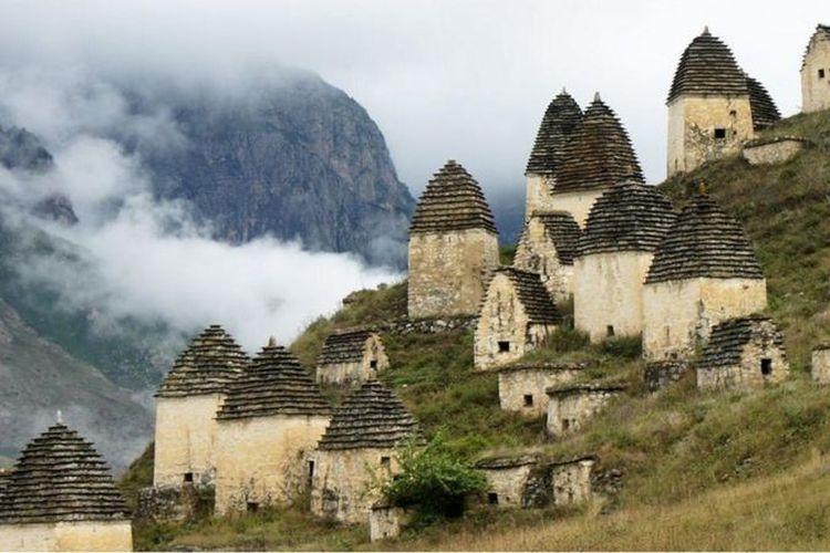 Kota orang mati di luar desa Dargavs, di sudut Rusia yang terpencil di Osetia Utara.