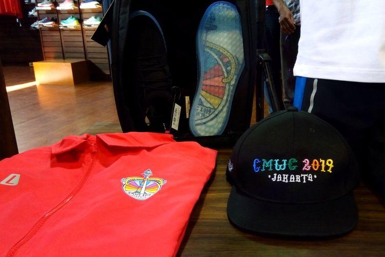 CMWC Series terdiri dari sepatu sepeda Swave, t-shirt, pullover hodie, coach jacket, serta snapback.