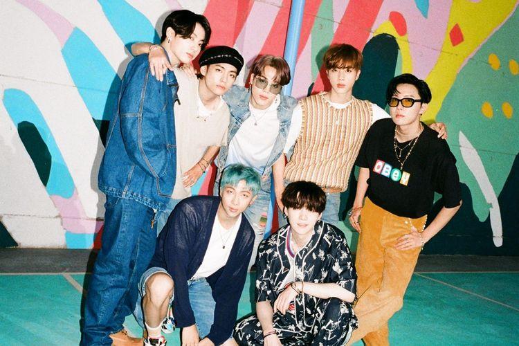 Boyband asal Korea Selatan BTS merilis lagu Dynamite, Jumat (21/8/2020).