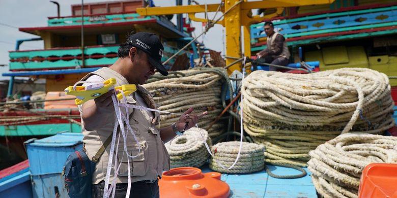 Menteri Kelautan dan Perikanan (KP) Sakti Wahyu Trenggono resmi meneken Peraturan Menteri Kelautan dan Perikanan (Permen KP) Nomor 18 Tahun. Peraturan ini melarang penggunaan alat tangkap ikan yang dapat merusak ekologi dan ekosistem laut.