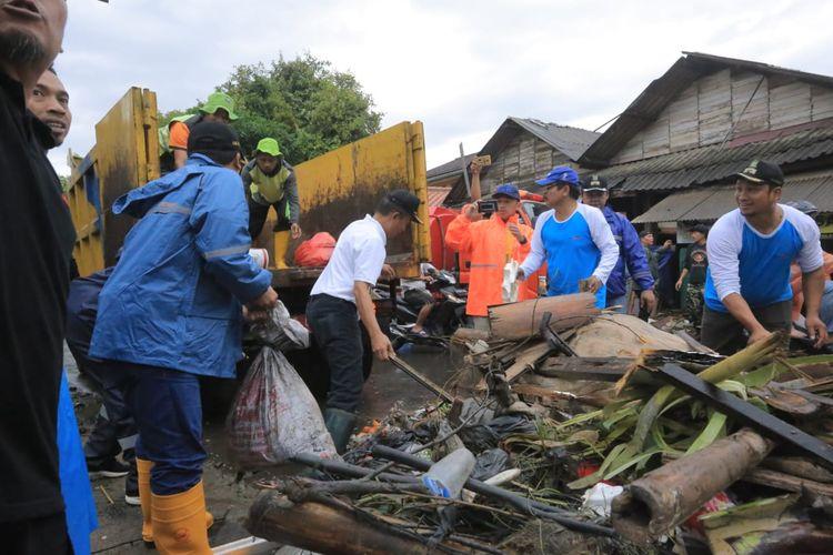 Kerja bakti masal di Kota Tangerang, Minggu (5/1/2020)