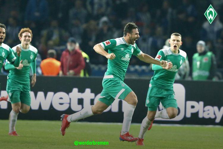 Claudio Pizarro merayakan gol yang menobatkan dirinya sebagai pencetak gol tertua di Liga Jerman pada pertandingan Hertha Berlin vs Werder Bremen di Olympiastadion dalam lanjutan Bundesliga 1, 16 Februari 2019.