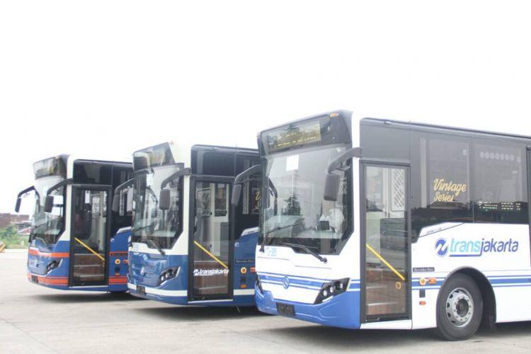 PT Transjakarta kembali mendatangkan 10 unit bus transjakarta jenis vintage, Kamis (27/4/2017)