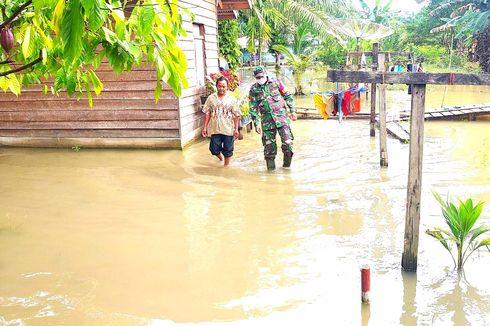 7 Hari Ratusan Rumah di Rokan Hulu Terendam Banjir, Warga Beraktivitas Seperti Biasa