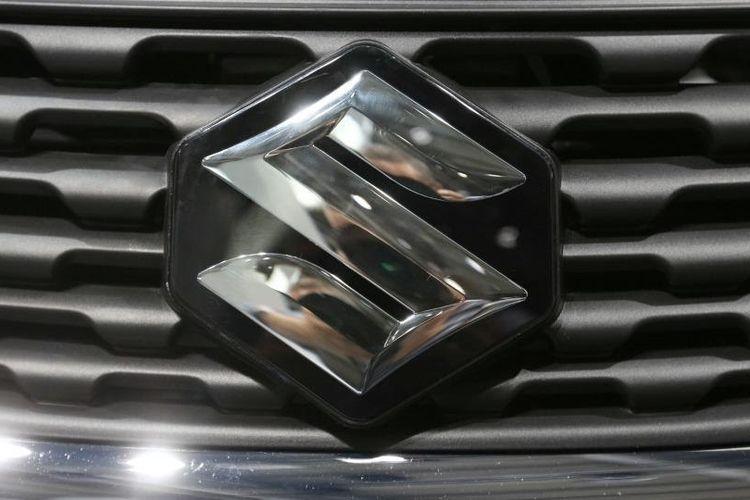 Logo Suzuki.