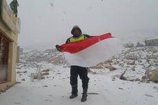 Finish, Gunadi Tiba di Himalaya dan Kibarkan Bendera Merah Putih