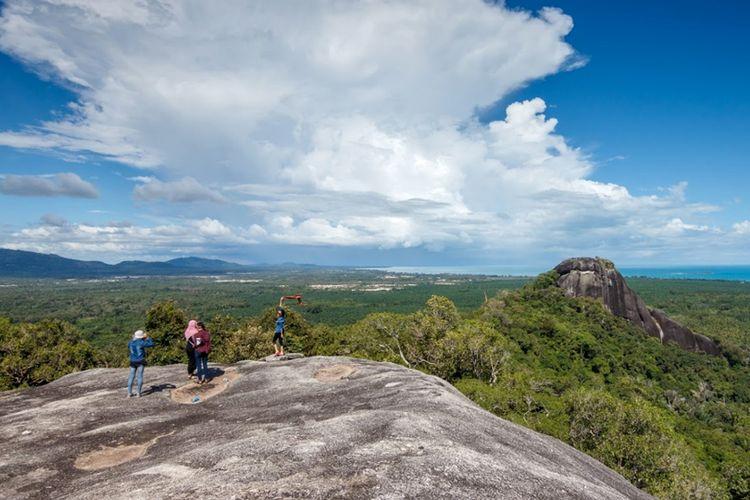 Geopark Belitong - Geosite Batu Baginda.