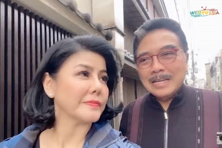 Desiree Tarigan dan suaminya, pengacara Hotma Sitompoel saat liburan di Jepang.