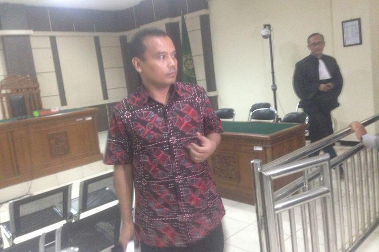 Bupati Purbalingga nonaktif Tasdi dituntut 8 tahun penjara terkait kasus suap dan gratifikasi selama menjabat sebagai bupati, Rabu (16/1/2019)