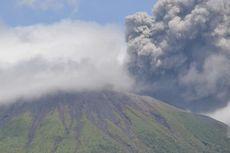 Gunung Gamalama Meletus, Asap Putih Membubung Setinggi 250 Meter