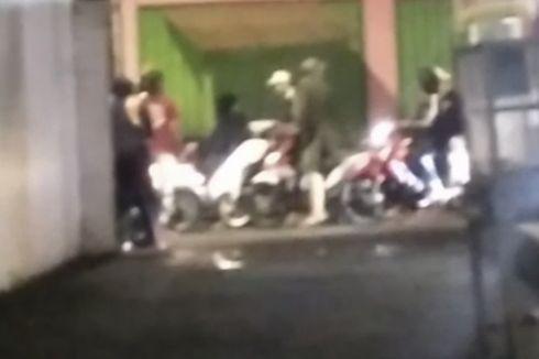 Dini Hari, Warga Saksikan Gerombolan Bermotor Serang Pemuda yang Nongkrong di Warkop Jagakarsa
