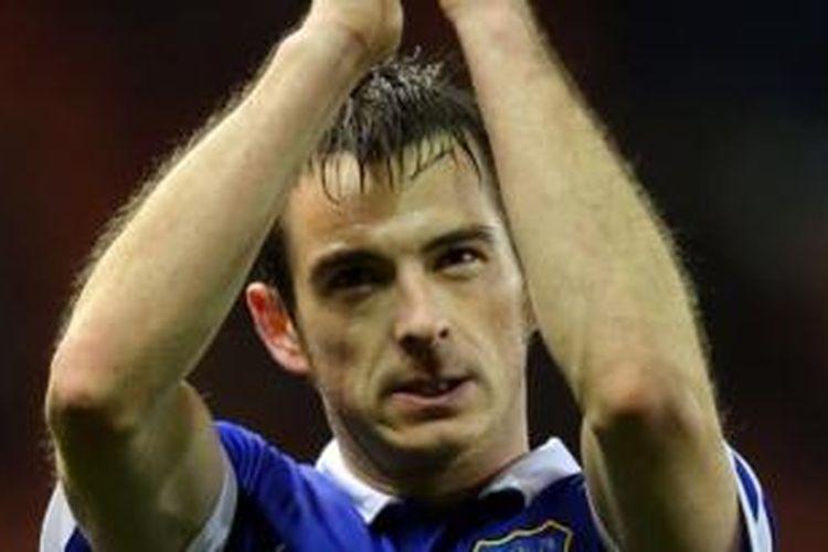 Bek Everton, Leighton Baines.