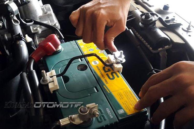 Aki atau akumulator adalah bagian paling penting pada kelistrikan kendaraan.