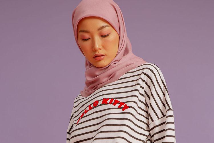 Salah satu koleksi Hello Kitty X HijabChic.