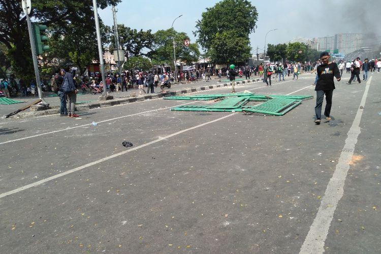 Pembatas Jalan Jati Baru Raya Rusak Karena Aksi Masa, Rabu (22/5/2019)