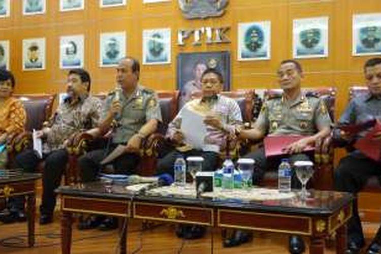 Tim gabungan pencari fakta menyampaikan hasil akhir investigasi terhadap dugaan aliran dana dari Freddy Budiman ke pejabat Mabes Polri dalam konferensi pers di PTIK, Jakarta, Kamis (15/9/2016).