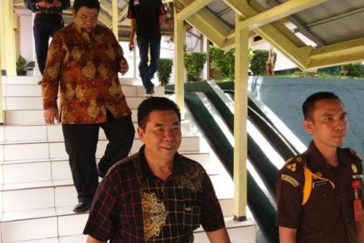 Mantan Bupati Seluma, Murman Effendi mendatangi Kejati Bengkulu, Senin (19/9/2016)