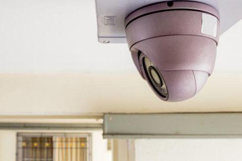 Sedang Mencuri Terekam CCTV, Dua Preman Dihajar Massa