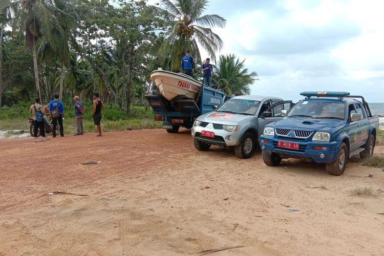 Tim SAR gabungan di kawasan Pantai Tuing, Bangka, Kamis (12/3/2020).