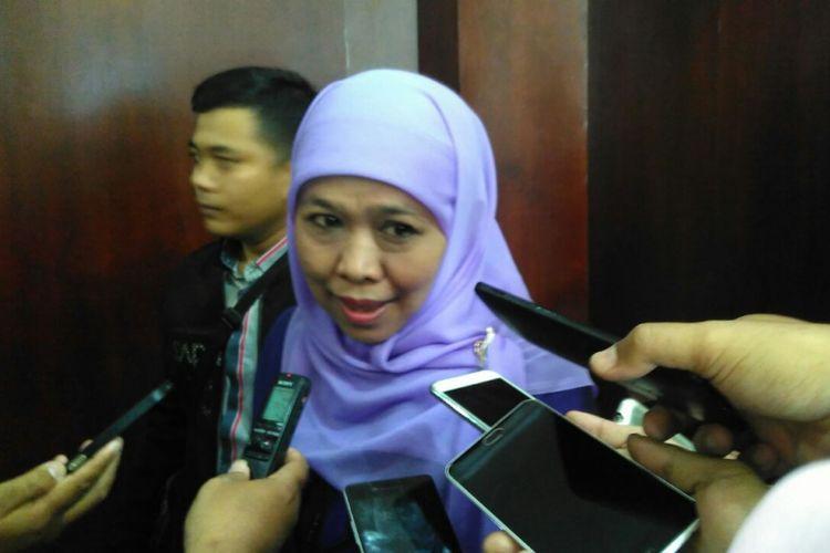 Menteri Sosial Khofifah Indar Parawansa saat berkunjung ke Universitas Jember, Jawa Timur, Jumat (22/9/2017).