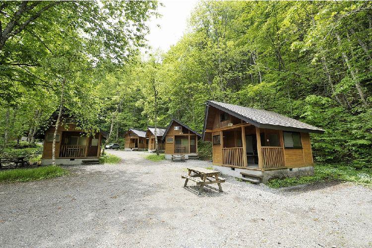 Hirayu Camping Site di tengah alam hijau