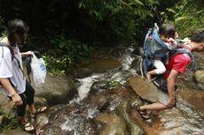 7 Tips Ajak Anak Mendaki Gunung