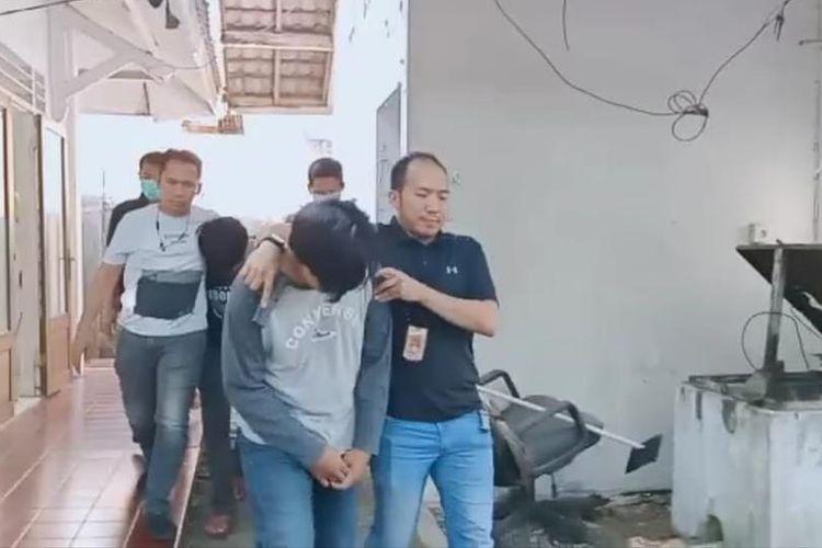 Penangkapan dua oknum mahasiswa yang simpan puluhan kilogram ganja di ruang senat kampus