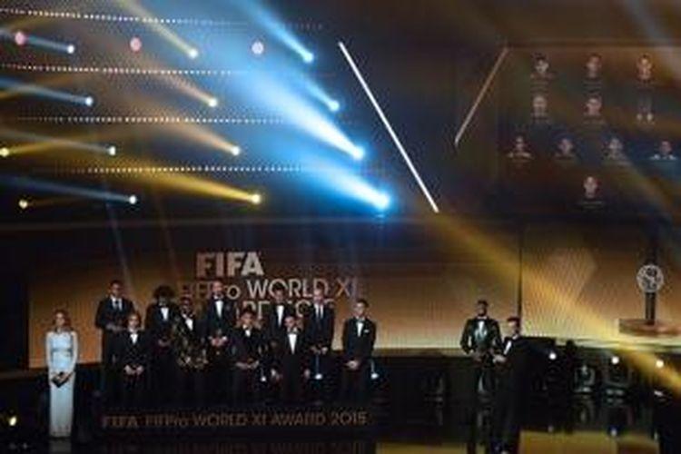 Sebelas pemain terbaik FIFA 2015 diumumkan di Zurich, Senin (11/1/2016).