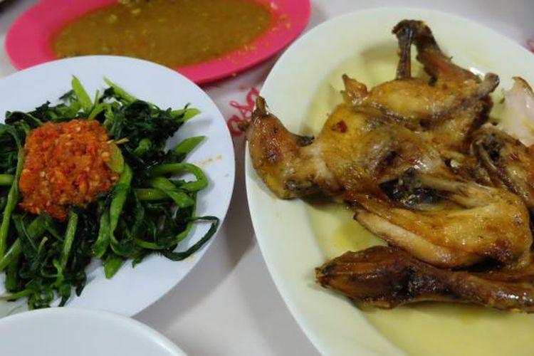 Ayam betutu goreng, salah satu menu khas di restoran Ayam Betutu Khas Gilimanuk.