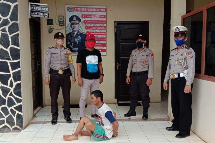 SU (50) lelaki paruh baya yang mencabuli anak tetangga sendiri, di Sungkai Selatan, Lampung.