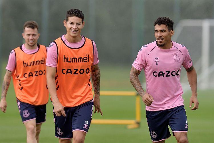 Pemain baru Everton, James Rodriguez dan Allan mengikuti sesi latihan