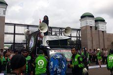 Pengemudi Ojol Gelar Aksi Demonstrasi di Depan Gedung DPR