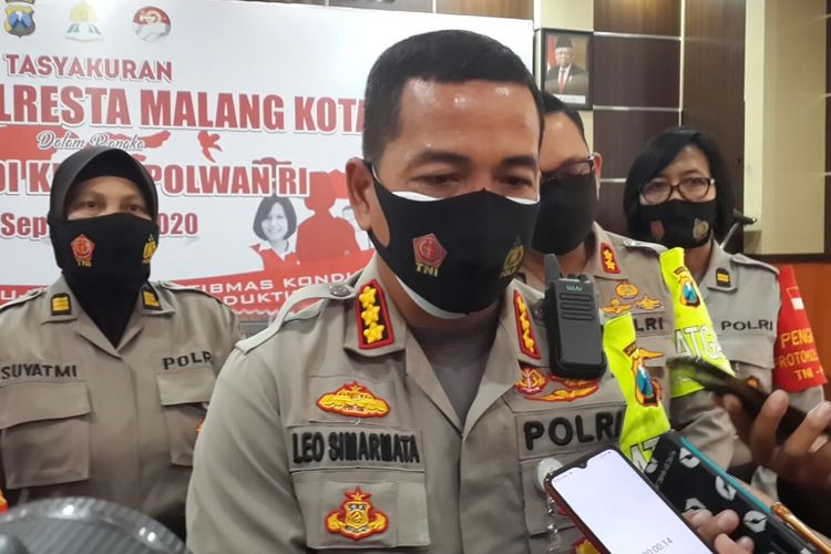 Kapolresta Malang Kota, Kombes Pol Leonardus Simarmata saat menghadiri Tasyakuran HUT Polwan ke-72 di Mapolresta Malang Kota, Selasa (1/9/2020).