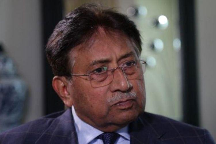 Pervez Musharraf membantah mengancam Bhutto lewat telepon.  (BBC)