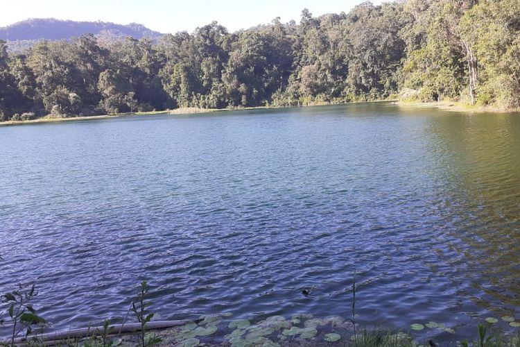 Danau Rana Kulan tersembunyi di Desa Rana Kulan, Kecamatan Elar, Kabupaten Manggarai Timur, Nusa Tenggara Timur.