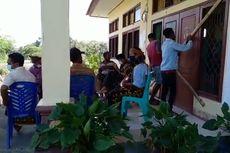 Buntut Penolakan Waduk Lambo, Masyarakat Adat Menutup Kantor Desa