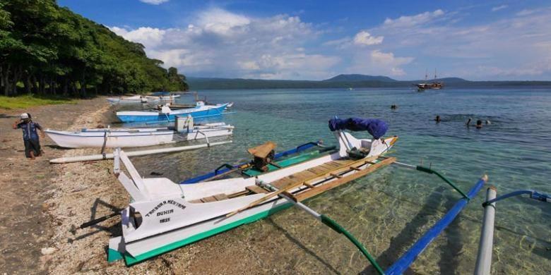 Pulau Satonda di Kabupaten Dompu, Provinsi Nusa Tenggara Barat.