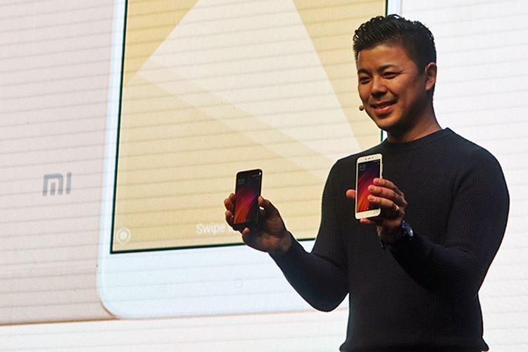 Director of Product Management dan Marketing Xiaomi Global, Donovan Sung di peluncuran Redmi 4X di Jakarta, Rabu (5/4/2017).