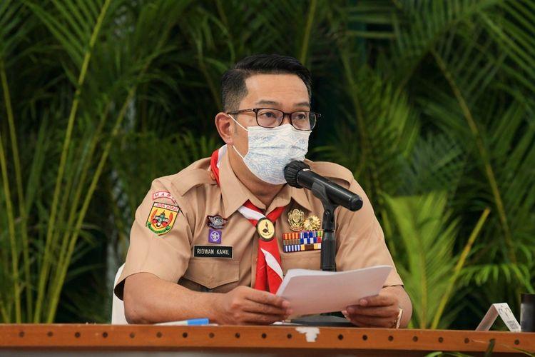 Gubernur Jawa Barat Ridwan Kamil saat memimpin Rapat Komite Kebijakan Penanganan Covid-19 dan Pemulihan Ekonomi Daerah Jawa Barat di Gedung Sate, Kota Bandung, pada Rabu (14/4/2021).