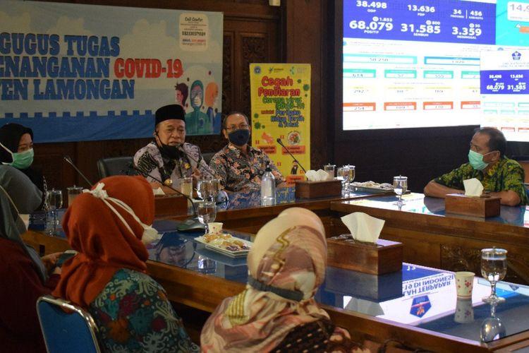 Tim peneliti dari Unair saat bertemu dengan Bupati Lamongan, Kamis (9/7/2020).