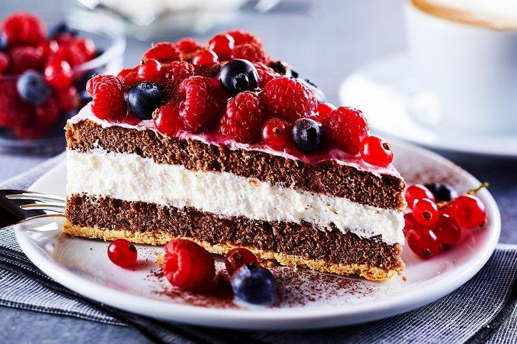 layered creamy fruit cake
