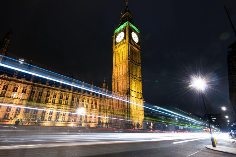 Big Ben yang terletak di Kota London, Inggris