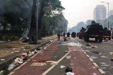 Dipukul Mundur Polisi, Massa Demo Berpencar ke Jalan Budi Kemuliaan hingga Balai Kota