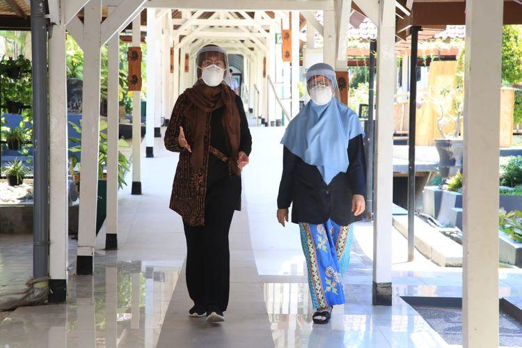 Dokter Ririek dan dokter Emil, dua perempuan yang berperan penting untuk penanganan Covid-19 di Banyuwangi