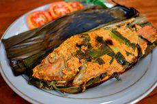 Resep Pepes Bandeng Bumbu Pedas, Makan Pakai Nasi Putih Hangat