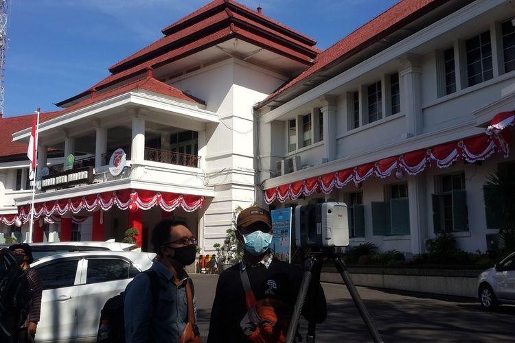 Proses perekaman bangunan untuk digitalisasi cagar budaya di Balai Kota Malang, Kamis (6/8/2020).