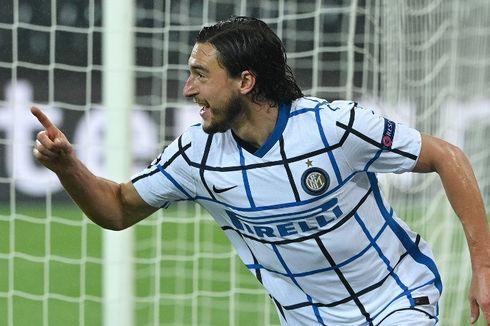 Bek Inter Sebut Timnya Layak Dapat Hadiah Penalti saat Lawan Napoli